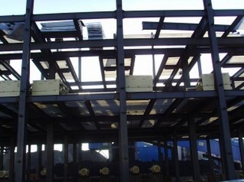 网站首页 > 钢架构网架 >  钢结构 > 详细内容    抗震性:低层别墅的